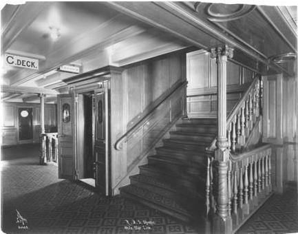 Les escaliers des deuxième classe