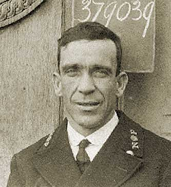 George Hogg, veilleur du Titanic