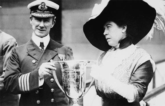 Remerciements des rescapés du Titanic au Commandant Rostron