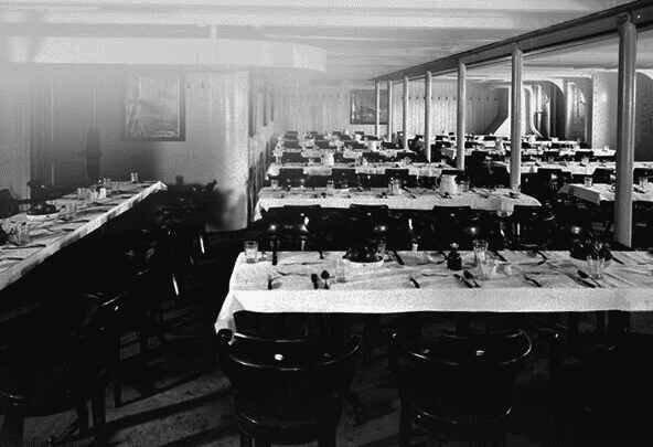 La salle à manger des Troisièmes classes