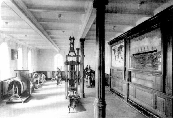 Quels étaient les différents services à bord du Titanic ?