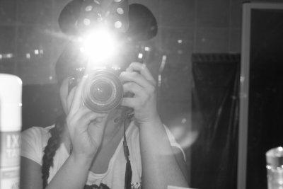 ❧ N'importe où, n'importe quand, mon appareil photo me suis partout.