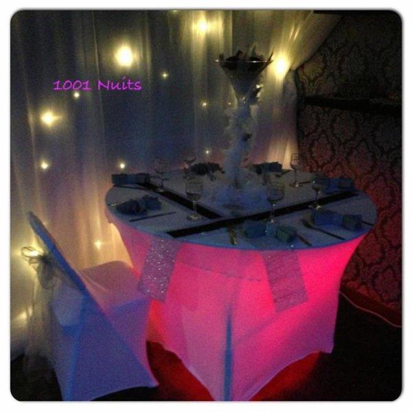 Table Rouge Argent illuminé