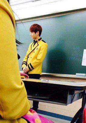 Avoir Jungkook au lycée doit être géniale ♥