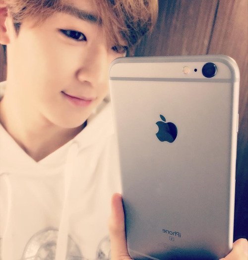 Kevin s'est acheté l'Iphone 6 ♥