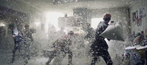 """Une explication au clip """" RUN """" des BTS ♥ (pour ceux qu'ils n'ont pas compris)"""