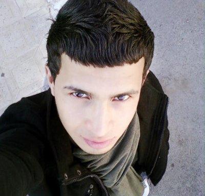 voilà c'est moi * *  Je m'appelle NooRi * * j'habite  en Algerie  > 46 < * * Bienvenu