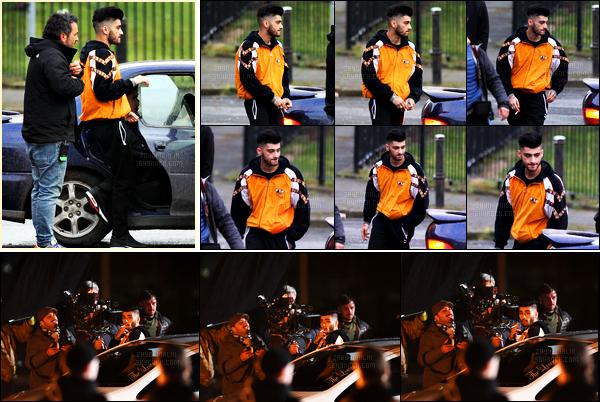 09/03/2016 : Zayn a été aperçu alors qu'il tournait son second clip dans la ville de Manchester en AngleterreIl semblerait que Zayn tourne son second clip dans une zone urbaine de la ville. De nombreuses cascades de voitures et de danse prévues. J'ai hâte.