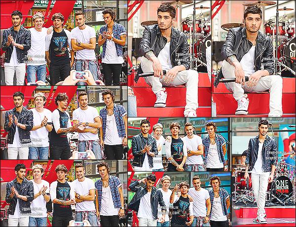""""""" 23/08/13 : Les One Direction se sont rendus à l'émission de télé « Today Show » qui se déroulait à New-York. Les gars ont chantés diverses chansons comme Kiss You, Best Song Ever, Little Things ou encore What Makes You Beautiful. Gros top !  """""""