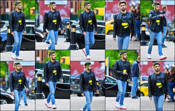 .07/05/2017. ─ Zayn Malik a été photographié alors qu'il se rendait à l'hôtel « Roxy » situé à Manhattan dans New-York. Je ne sais pas pour quelles raisons Zayn s'est rendu dans cet hôtel... En tout cas, on peut voir qu'il n'a pas du tout l'air d'être content de voir les papz !