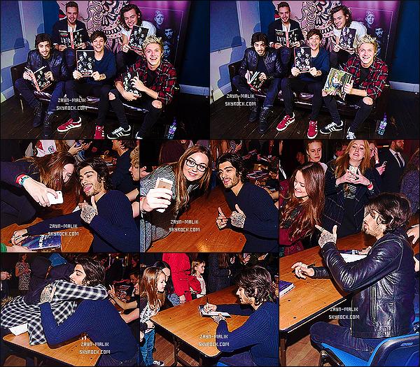 ' 10/12/2014 : Les One Direction donnaient une séance de dédicace dans un des « WH Smith » de Londres.  Les fans ont pu accédés à la séance de dédicaces grâce à des tickets qu'elles ont pu acheter sur le net, elles étaient plus de 600. Zayn était superbe ! '