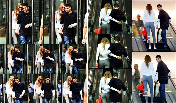 - 13/07/2016 : Toujours dans le quartier de Manhattan, Zayn a été aperçu sortant du logement de Gigi Hadid.Les deux ne se lâchent pas d'une semelle. Visiblement, il n'y en a pas un pour rattraper l'autre. Les cheveux de Zayn ont poussés, un immense top !!-