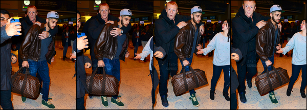 03/12/2013 : Zayn a été aperçu alors qu'il arrivait à l'aéroport international de « JKF » situé dans New-York !Zayn a été encerclé par les fans lorsqu'il est arrivé. Il n'a cependant pas voulu prendre de photos avec les fans. Étant pressé de se rendre son hôtel.
