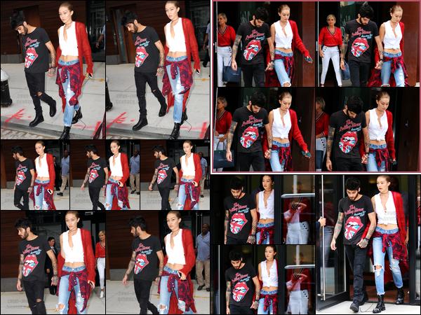 - 10/09/16 : Zayn a été photographié alors qu'il sortait de l'appartement de Gigi Hadid situé à Manhattan (NY)Je me demande ce que fait Zayn de ses journées à part sortir et réentrer dans l'appartement de sa petite-amie. Comme d'habitude, il a l'air fatigué..-