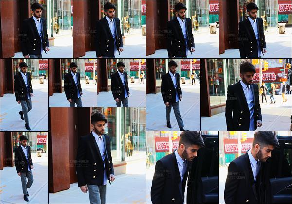 - 09/12/16 : Zayn a été photographié alors qu'il sortait de l'appartement de Gigi Hadid situé dans Manhattan !Après avoir passer quelques jours à Los Angeles, Zayn est de retour à New-York pour le grand plaisir de Gigi. Je le trouve assez chic sur les photos.-
