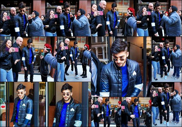 """"""" 14/12/16 : Zayn a été photographié alors qu'il sortait de l'appartement de Gigi Hadid situé à Manhattan (NY)Celui-ci a essayé de se faire un chemin entre les fans qui l'attendaient en dehors de l'appartement. Il a été vu en revenant à l'appartement plus tard. """""""