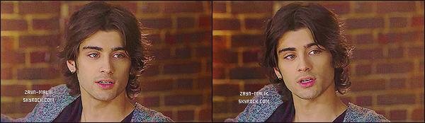 ' « 1D FOUR HANGOUT»_● ●_Découvrez le live-stream des One Directionet leur performance. Durant ce live-stream, Zayn s'est beaucoup exprimé notamment au sujet du nouvel album du groupe. Je suis fan de sa tenue et de sa coiffure, top. '