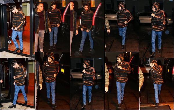 - 17/01/17 : Zayn a été photographié alors qu'il sortait de l'appartement de Gigi Hadid situé dans Manhattan !Zayn a l'air un peu agacé par les fans qui veulent une photo avec lui en sortant de l'immeuble ! Je le trouve également très fatigué sur ces photos...-