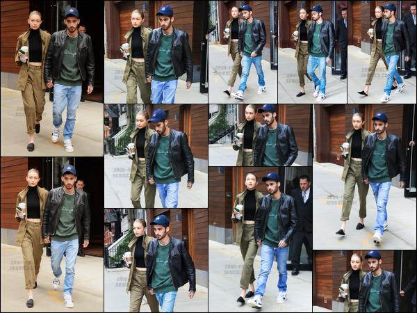 .25/04/17. ─ Zayn a été aperçu alors qu'il quittait l'immeuble dans lequel il vit avec Gigi dans le quartier de Manhattan ! Après un mois sans nouvelles, Zayn est de retour à New-York pour passer du temps avec sa blonde. Je suis assez fan de la tenue qu'il porte, un gros top.