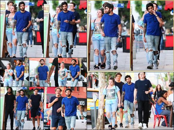 .26/07/17. ─ Après un mois sans nouvelles, Zayn a été aperçu alors qu'il se promenait dans les rues de West Hollywood ! Zayn était accompagné de plusieurs amis. Je trouve ça cool pour une fois qu'il n'est pas avec Gigi. Je le trouve en bonne santé et vraiment super souriant