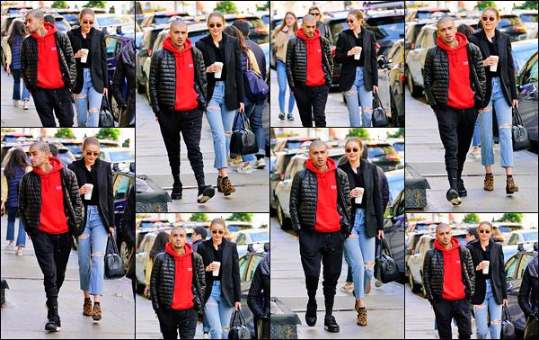 ' '─-29/05/2018- • Zayn Malik a été aperçu alors qu'il se promenait dans New-York en compagnie de Gigi Hadid Apparemment, à ce que l'on voit, ils sont de nouveau ensemble vu que Zayn tente une approche vers G. pour l'embrasser. No comments ! -