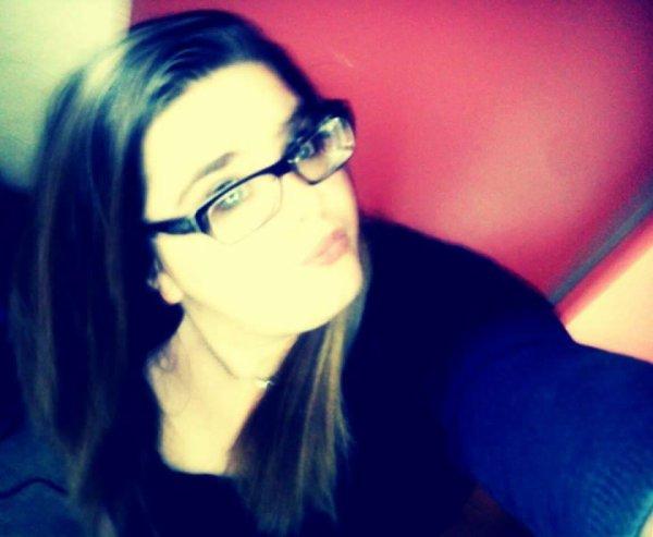 Bon bin voilà c'est moi une photo qui date pas au moins :)