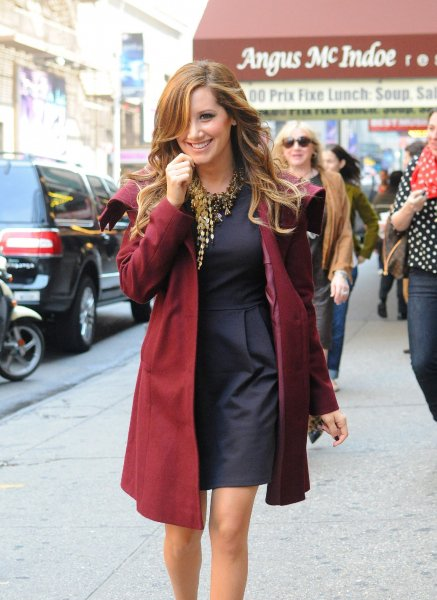 Ashley Tisdale a été vu le 11 avril à Time Square à New York.