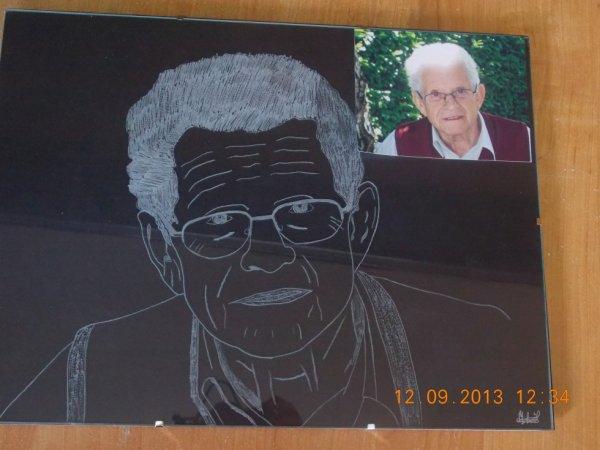 gravure sur cadre en verre