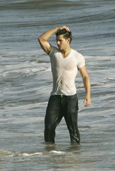 Taylor Lautner is my husband . We have sex together . I f*ckin love him.