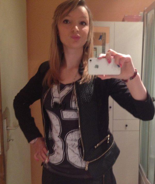 Selfie # /D