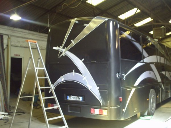NOUVEAU BUS AMENAGER EN CAMPING CAR