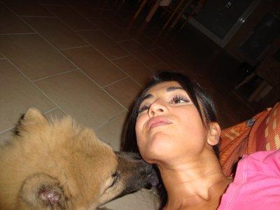 4 mois et des news de Grizli mon eurasier que j'aime beaucoup l'enfant de la maison