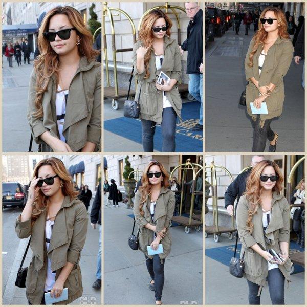Mercredi 7 mars : Demi a été repéré au Ritz-Carlton Hôtel situé à Nex York le 7 mars. Magnifique comme toujours !