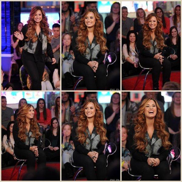 """Mardi 6 mars : Demi a répondu aux questions des fans à la suite de la première de MTV """"Demi Lovato:Stay Strong"""" dans les studios de MTV Times Square le 6 Mars 2012 à New York."""