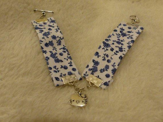 bracelet en liberty bleu, pendentif chat tout mignon