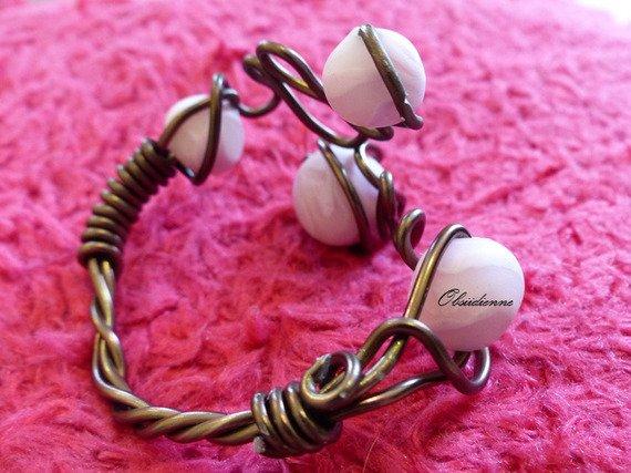 Bracelet en fils d'aluminium, et perles fimo