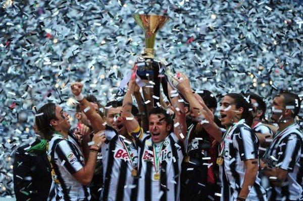 La Juventus termine l'année invaincue  avec sa victoire face a Atalanta super fin de saison pour les bianconeris