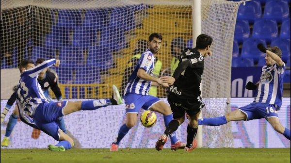 Le Deportivo remporte une magnifique et belle victoire à domicil contre l'Eibar à Riazor.