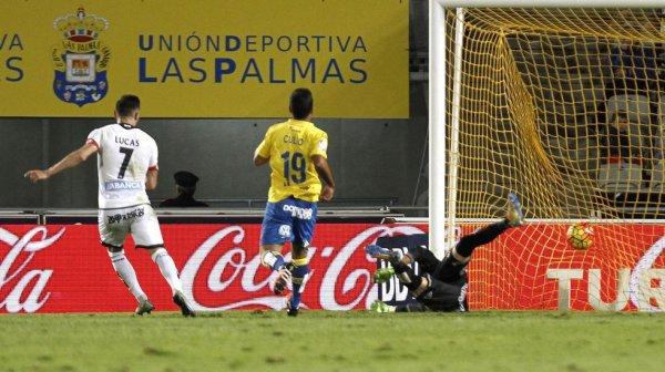 Triunfo importante del Deportivo en el campo de Las Palmas en el Gran Canarias.