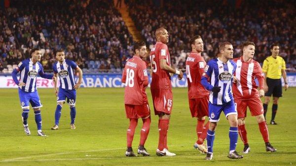 El Deportivo consiguio un punto valioso en su proprio campo contra el Sevilla en Riazor.