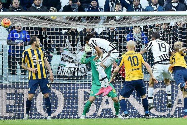 La Juventus débute bien la nouvelle année 2016 en remportant une victoire contre Véron.