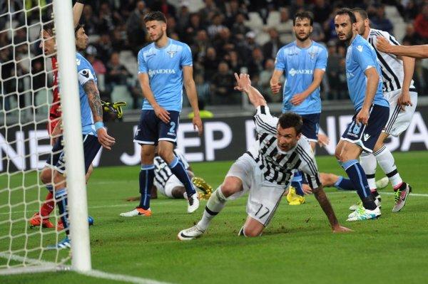 La Juventus réalise une bonne opération en gagnant facilement contre la Lazio.