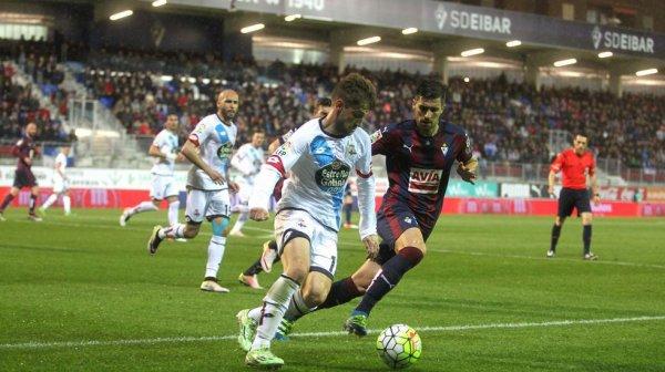 El Deportivo consiguio un punto valioso al empatar en el campo del Eibar en Ipurúa.