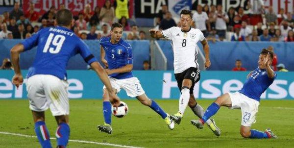 L'Italie s'est fait éliminer en 1/4 de final en perdant au tire au but contre l'Allemagne.