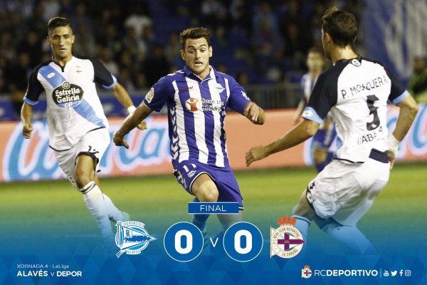 El Deportivo consiguio un punto valioso de su visita  en el campo del Alavés al empatar.