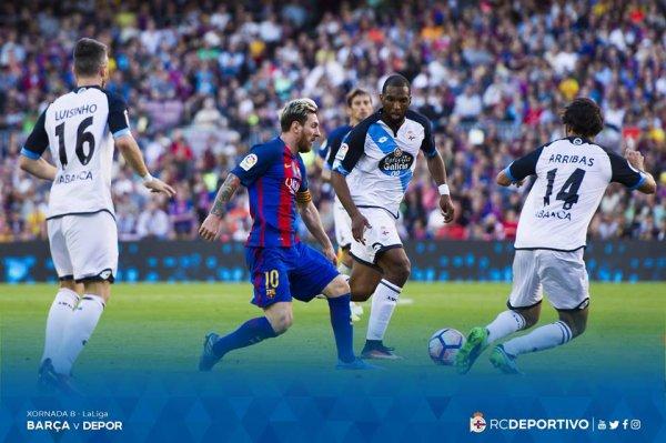 El Deportivo perdio con dinida en su visita contra el Barcelona en el Camp Nou.