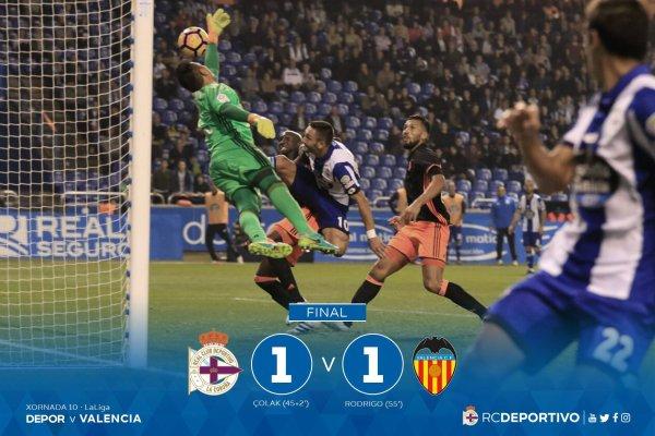 El Deportivo no tuvo premio contra el Valencia al empatar en el estadio de Riazor.