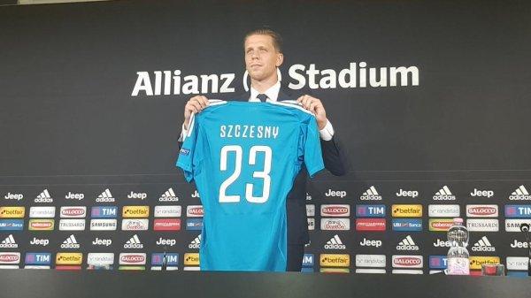 Je vous présente les transferts définitif de la Juventus pour la saison 2017-2018.