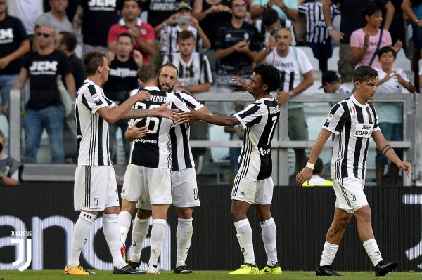 La Juventus débute bien sa saison en s'imposant à domicil contre l'équipe de Cagliari.