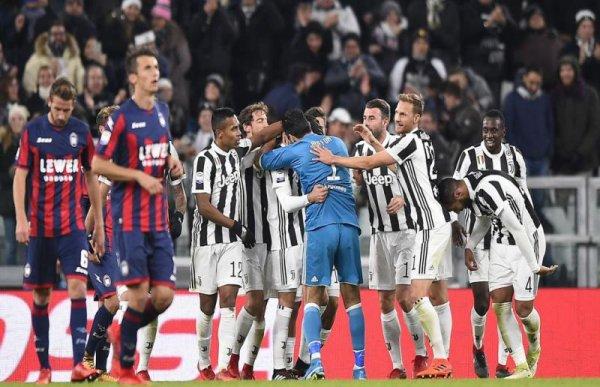 La Juventus s'est imposée facilement à domicile contre l'équipe de Crotone.